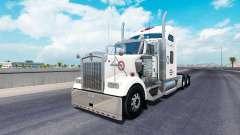 Pele Alabama no caminhão Kenworth W900